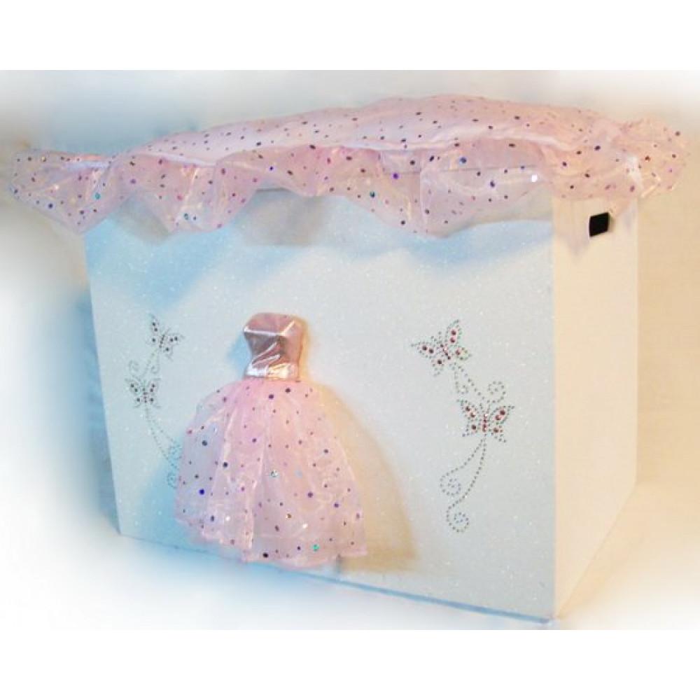 fb777e7358cf Μπαούλο ξύλινο με υφασμάτινο ροζ φόρεμα ΚΩΔ.5801