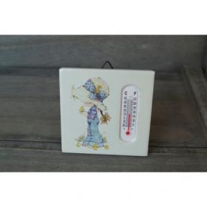 Θ18 | ΘΕΡΜΟΜΕΤΡΟ - ΚΑΔΡΑΚΙ SARAH KAY  Διαστάσεις: Ύψος 7,5cm x Μήκος 7,5cm