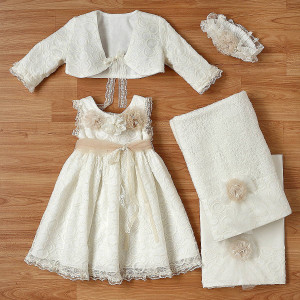 Ολοκληρωμένο πακέτο βάπτισηs με αυτό το φόρεμα (New Life Κωδ.2208-6-100) Με βαλίτσα rain η παγκάκι θρανίο