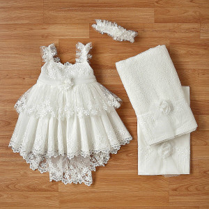 Ολοκληρωμένο πακέτο βάπτισηs με αυτό το φόρεμα (New Life Κωδ.2250-2-110) Με βαλίτσα rain η παγκάκι θρανίο