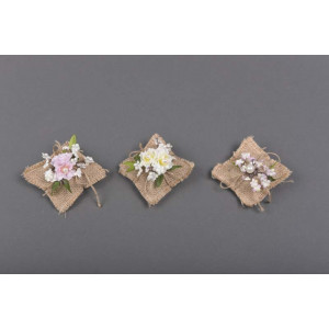 Μπομπονιέρα χειροποίητη λουλουδάκι (Κωδ.25.30.372-1.20) 9x9cm