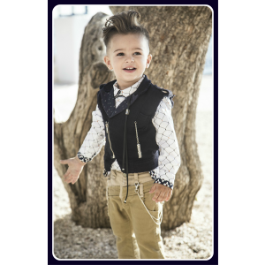 Baby u Rock. Gilet-γιλέκο perfecto με μεταλλικά αξεσουάρ , χαμηλοκάβαλο trompl'oeil διπλό παντελόνι σε slim γραμμή με δίχρωμες λεπτομέρειες και βαμβακερό πουκάμισο σε δύο διαφορετικά γεωμετρικά full prints (SS17/500702)