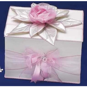 Κουτί ξύλινο με υφασμάτινο λουλούδι Κωδ.Κ77