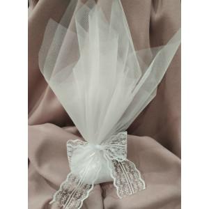 Μπομπονιέρα γάμου τούλινη με κορδέλα δαντέλα (κωδ.3513-23)