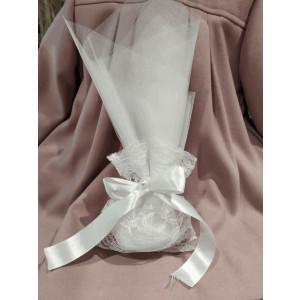 Μπομπονιέρα γάμου τούλινη με πουγκί δαντέλα και πέρλα (κωδ.3518-23)